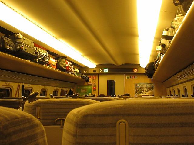 E5系普通車車内