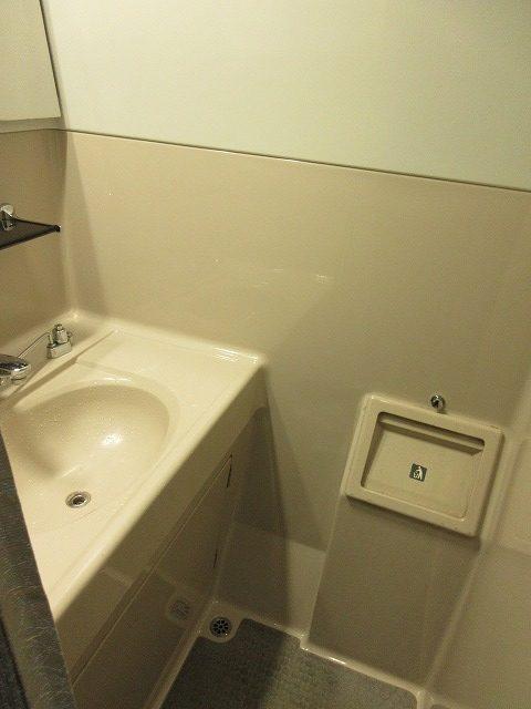 E231系グリーン車洗面所