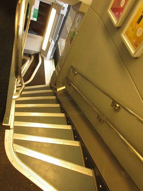 TGVの車内(階段)