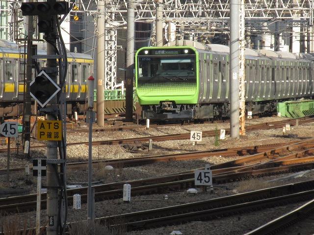 山手線E235系(新宿)
