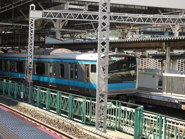 京浜東北線E233系(新橋)