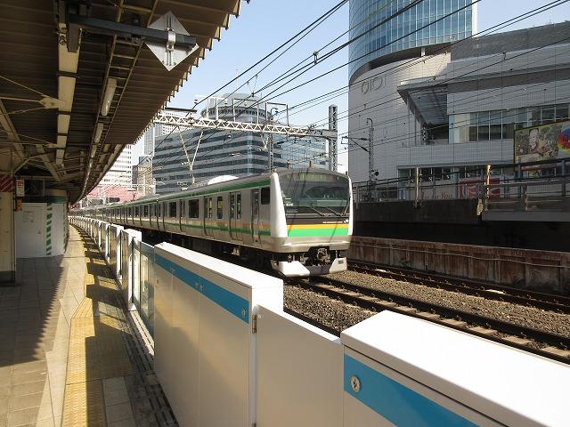 東海道線E233系(有楽町)