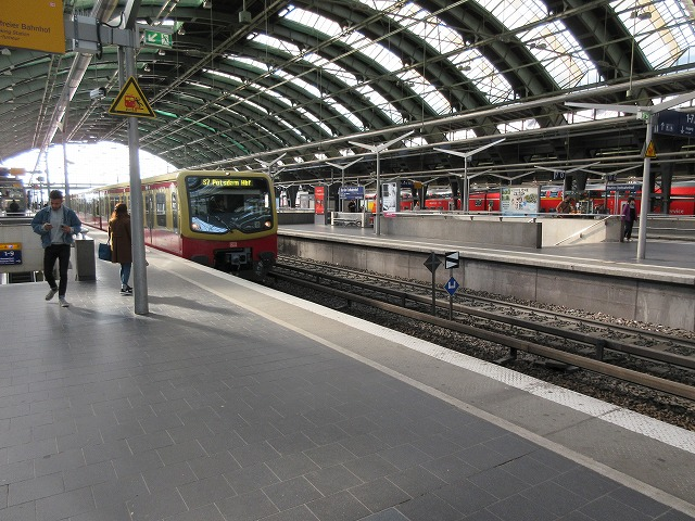 Sバーン(ベルリン東駅)