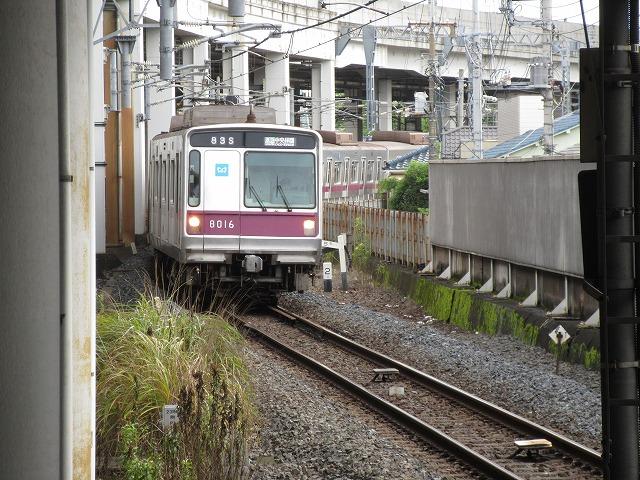 東京メトロ8000系(北千住)