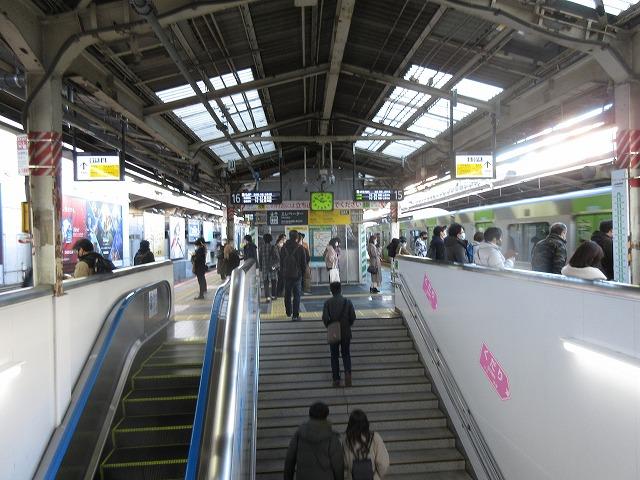 E231系(新宿16番線)